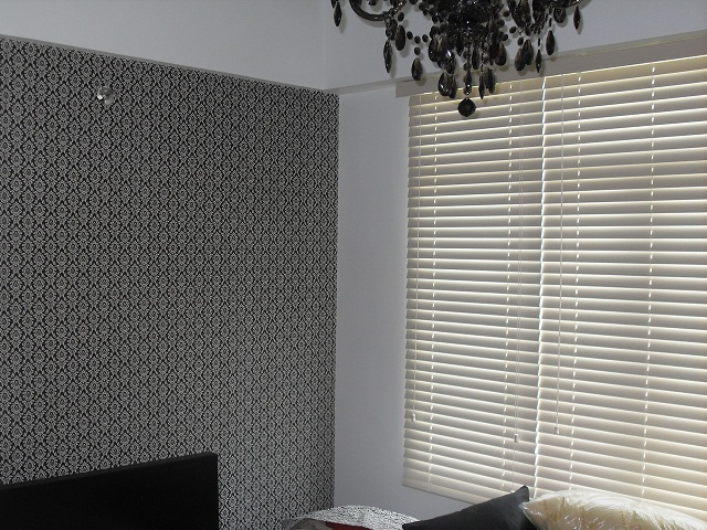 Faux Wood Blinds and Wallpaper a Perfect Combination at Stamford