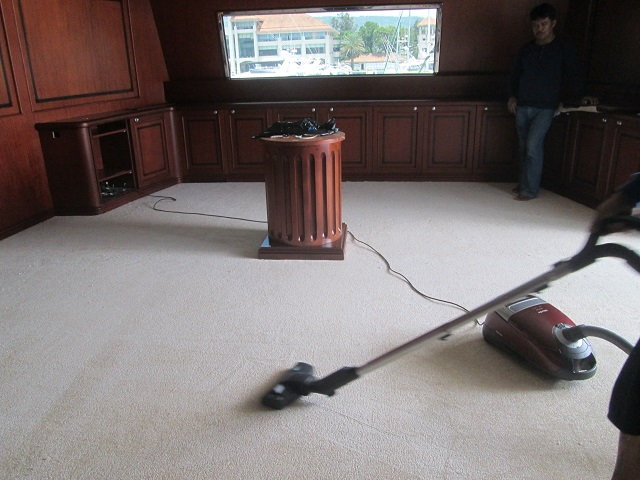 How to Clean Carpet Flooring