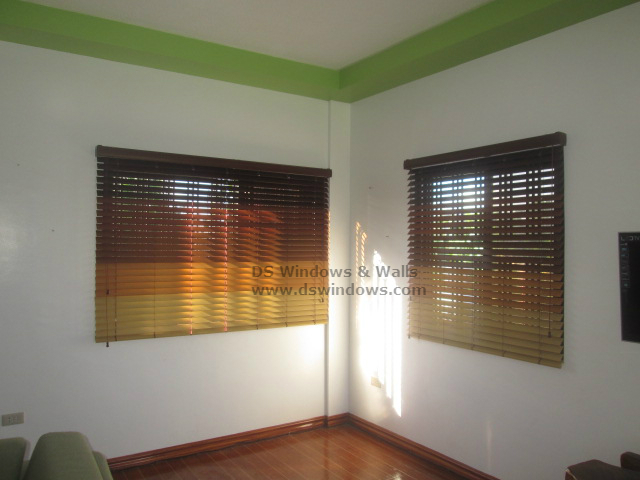 Faux Wood Blinds and Its Beautiful Color Combination