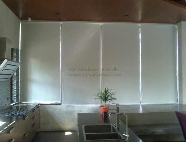 Affordable and Easy to Operate Roller Shades