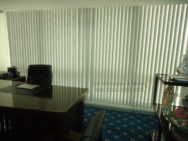 President's room interior using vertical blinds